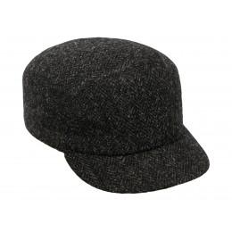 Czarna czapka damska z daszkiem wełniana sterkowski