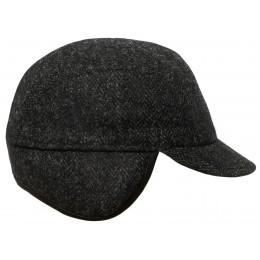 Czarna czapka męska na zimę z daszkiem - polskie czapki