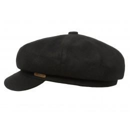 Czarna czapka męska z daszkiem na jesień