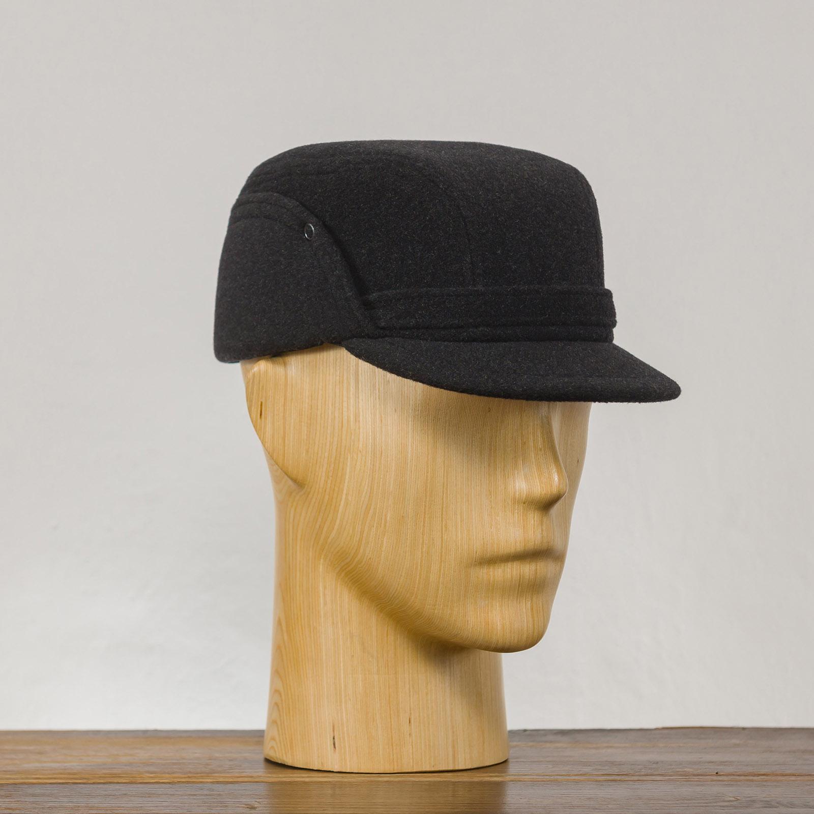Klasyczna czapka z ocieplanym składanym nausznikiem z domieszką kaszmiru